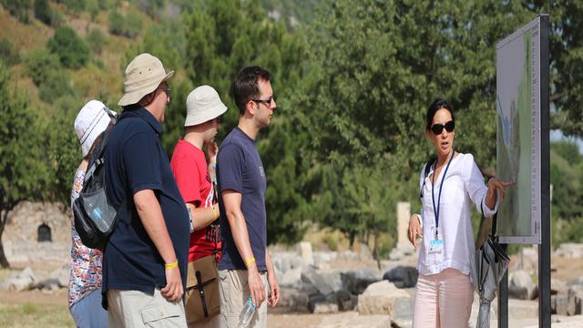 Враќање на уплатена туристичка такса, грантови за туристички агенции и водичи за ноември и декември